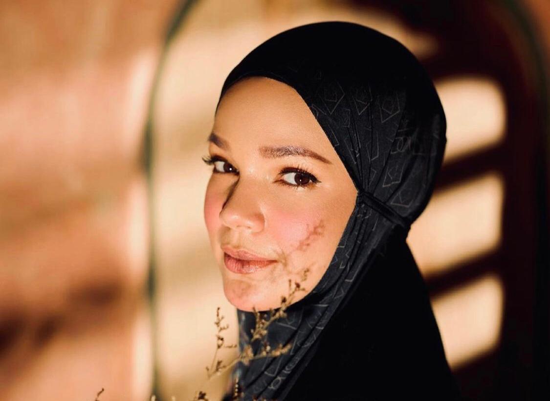 Curhatan Dewi Sandra: Saya Masih Bodoh