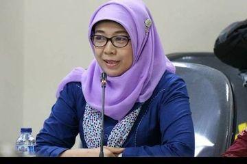 Jokowi Resmi Pecat Sitti Hikmawatty dari Komisioner KPAI