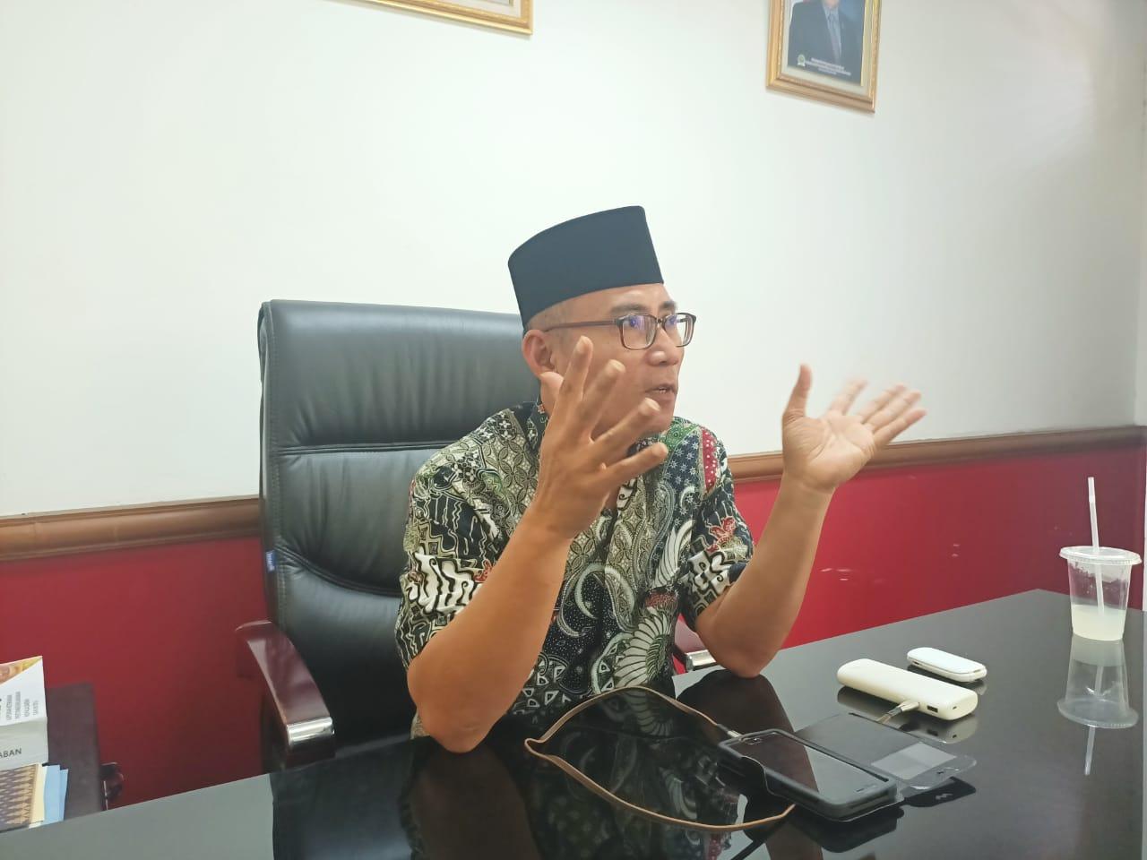 DPRD Riau Gelar Salat Id di Areal Kantor, Jamaah Diminta Patuhi Protokol Kesehatan