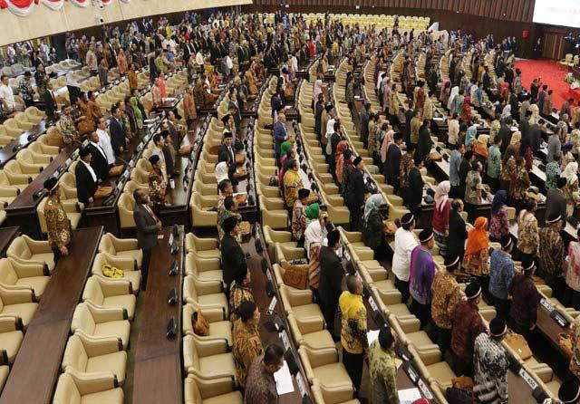 Sidang Paripurna Tertunda , 335 Anggota DPR-DPD Sudah Bolos