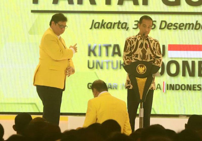 Airlangga Puji Bamsoet di Depan Jokowi