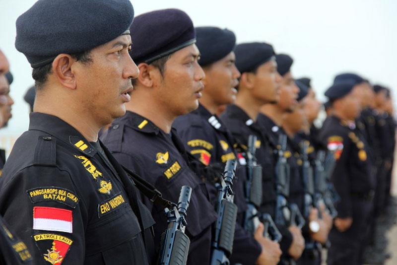 Kapal Patroli Bea Cukai Kepri Diserang