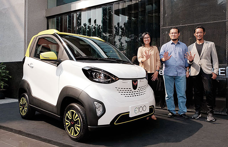 Dua Mobil Listrik Wuling Dipamerkan di IEMS 2019