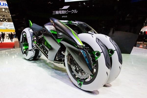 Kawasaki Bersiap Luncurkan Motor Roda Tiga