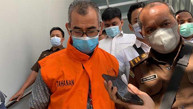 Mantan Bupati Kuansing Mursini Ditahan Kejati Riau