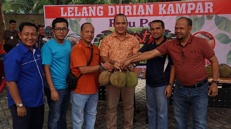Antre Ikut Riau Pos Pesta Durian Kampar