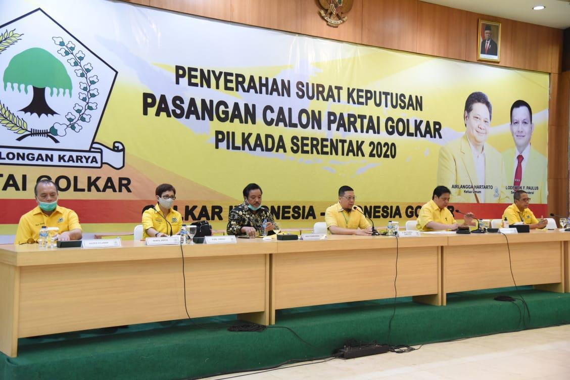 Golkar Serahkan Empat Dukungan Balon Pilkada di Riau