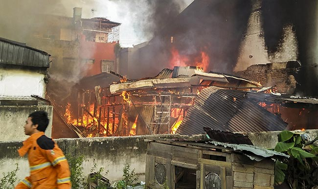 Lima Unit Rumah Dilalap si Jago Merah