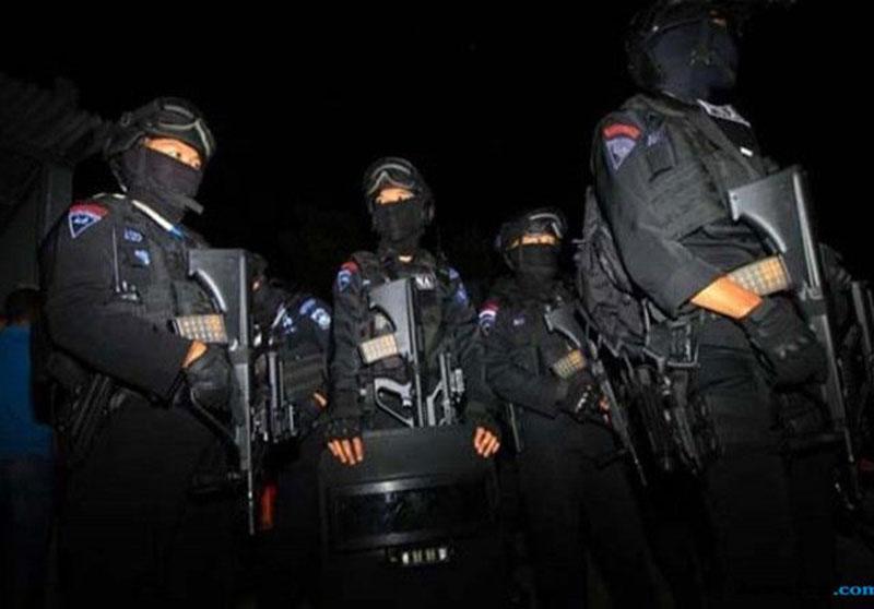 Dua Pistol Disita, Densus Tangkap Terduga Teroris di Surabaya