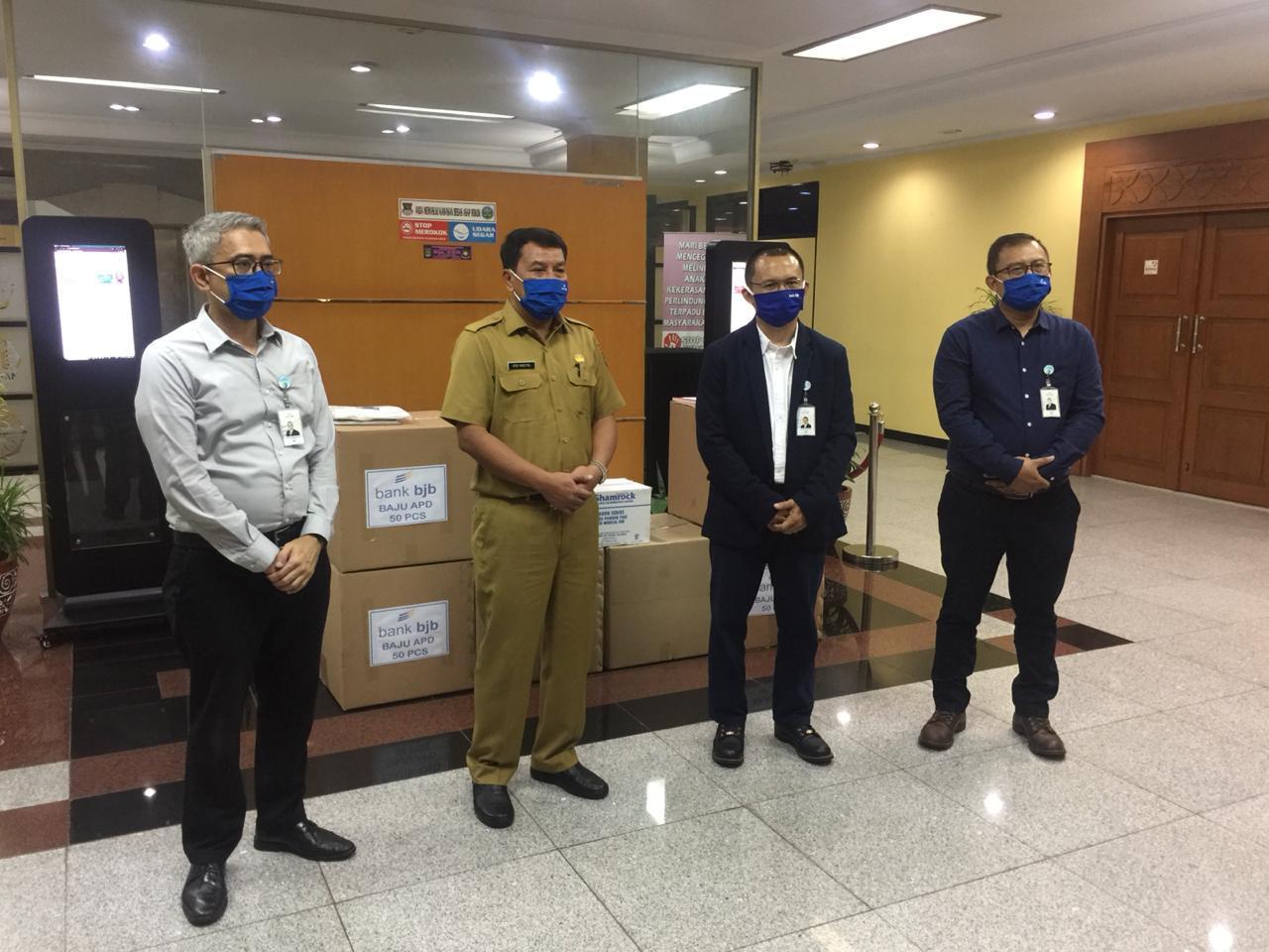 Bank bjb Serahkan 1500 APD ke Pemkab Tangerang