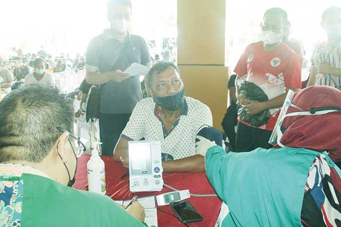 Pengurus dan Atlet NPC Riau Jalani Vaksinasi