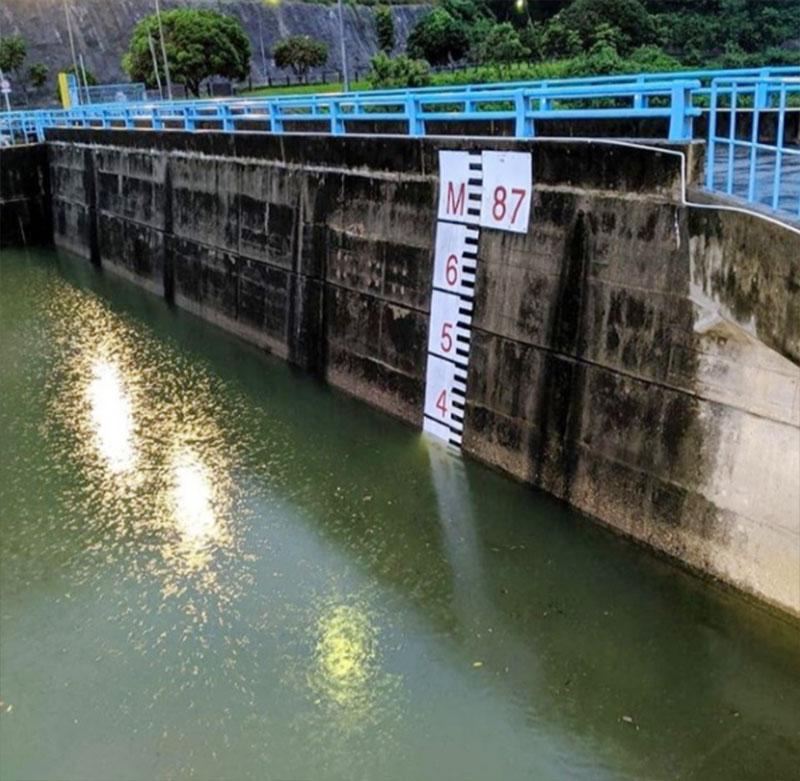 Elevasi Masih Tinggi, Pintu Air Waduk PLTA Koto Panjang Dibuka 100 cm