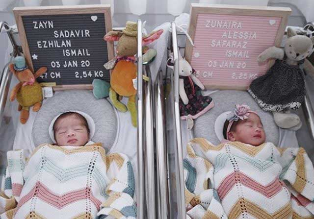 Syahnaz Urus Bayi Kembarnya di Rumah Mama