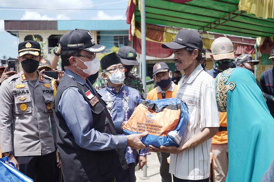 Bupati Salurkan Bantuan bagi Korban