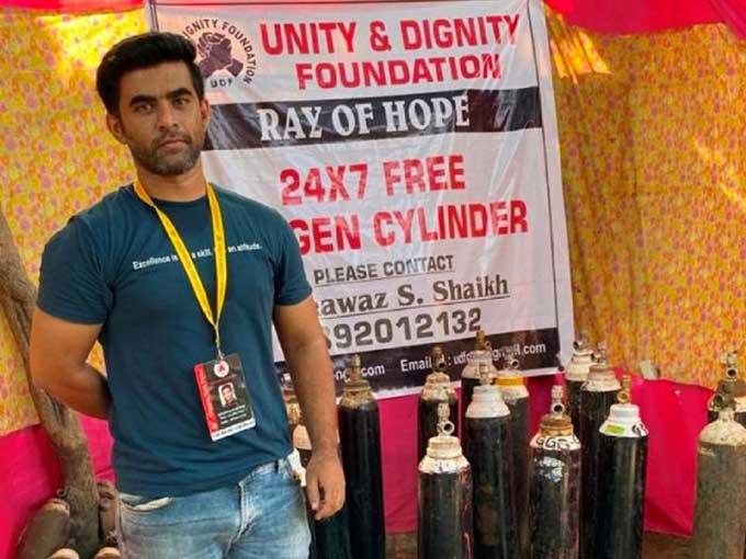 Oxygen Man of Mumbai Rela Jual Mobil demi Bantu Warga