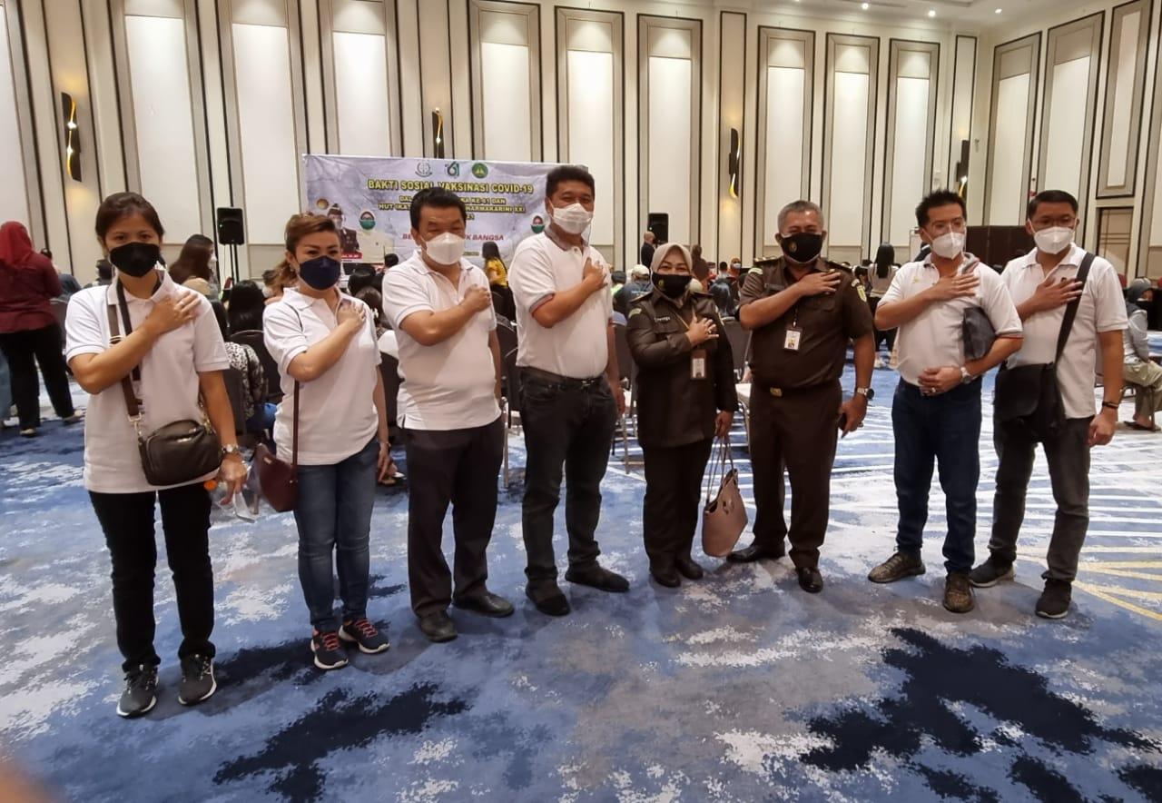 Relawan Peduli Covid-19 Bersama Kejati Riau Laksanakan Vaksinasi Masal