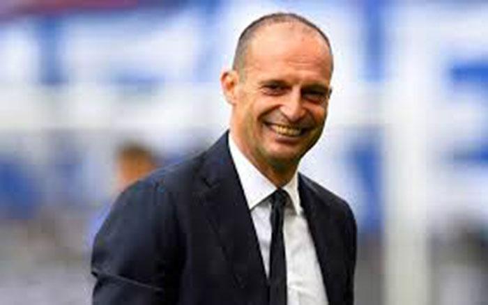 Pecat Pirlo, Juventus Rangkul Allegri