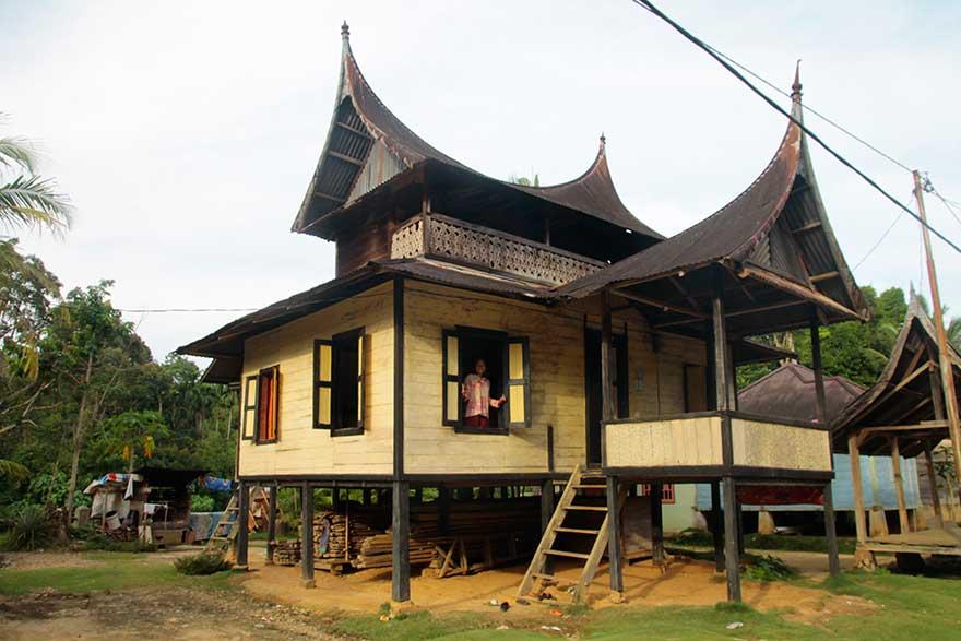 Tibawan dan Wajah Simpang di Hulu Mentawai