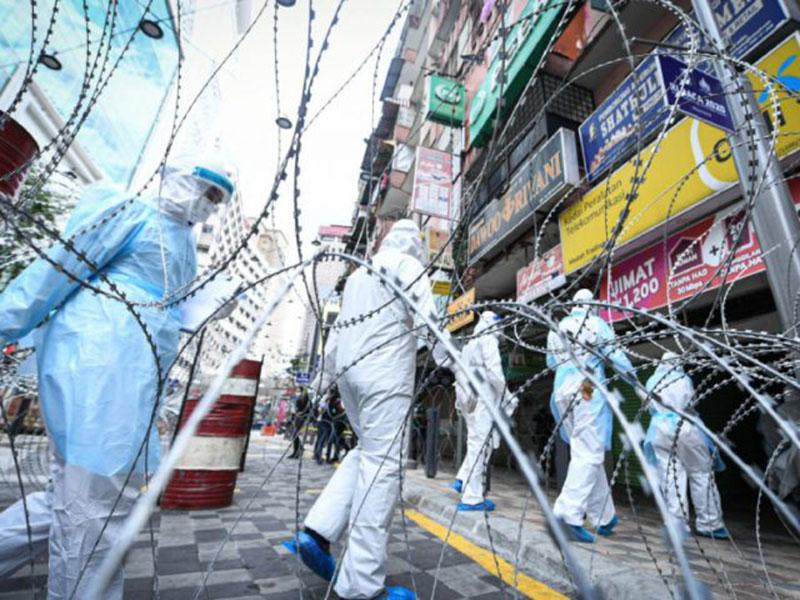 Pusat Perbelanjaan di Malaysia Dipasang Kawat Berduri