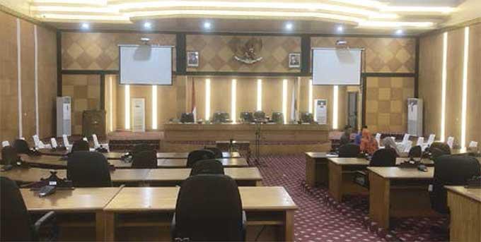 Pelantikan Ketua DPRD Siak Tetap Berlangsung Meski Ada yang Tidak Hadir