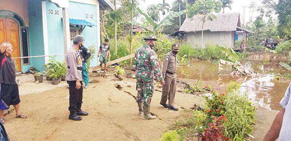 Dua Unit Rumah Semi Permanen di Tempuling Terkena Abrasi