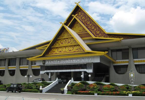 Tersangkut Masalah Hukum, Kabag ULP Pemprov Riau Diberhentikan