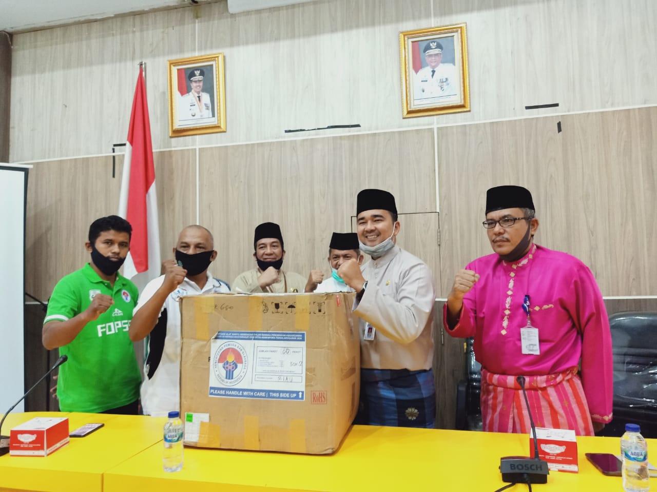 Atlet Liga Berjenjang Riau Dibantu APD dari Menpora