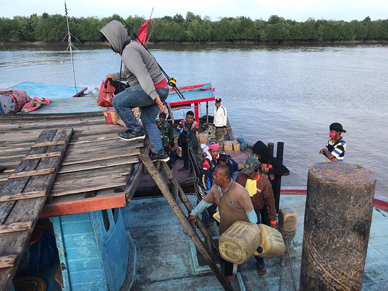 Semalaman Terombang-ambing, Para Pemancing Ditemukan Selamat