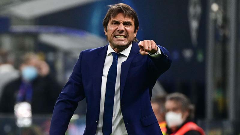 Tottenham Diskusi dengan Conte soal Kane