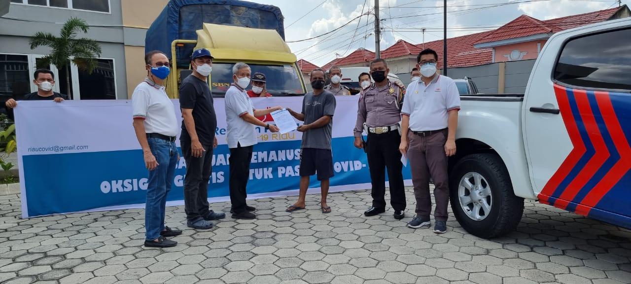 Relawan Peduli Covid Kirimkan 17 Tabung Oksigen Ke RS Inhu