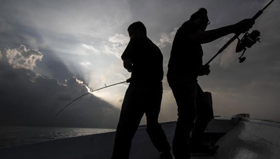 Sampan Bocor, Dua Pemancing Tewas Tenggelam di Rantau Kasih