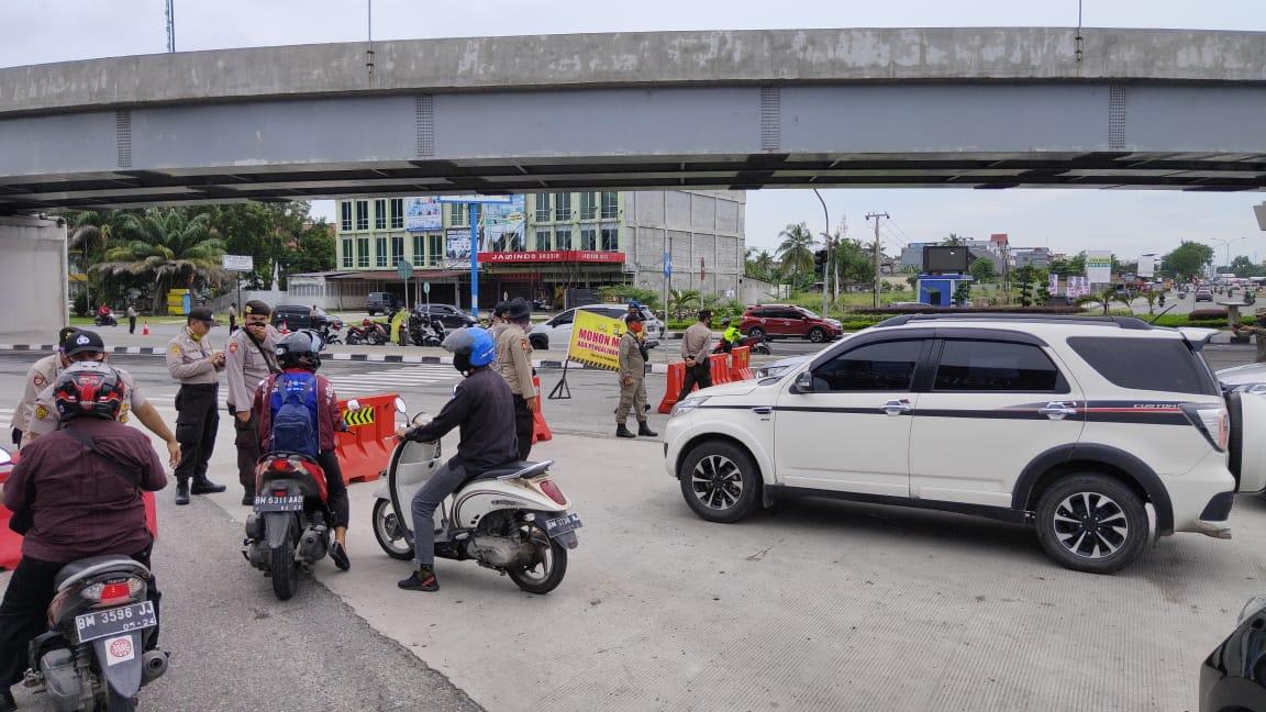 Penambahan Penutupan Jalan HR Soebrantas karena Masuk Zona Merah