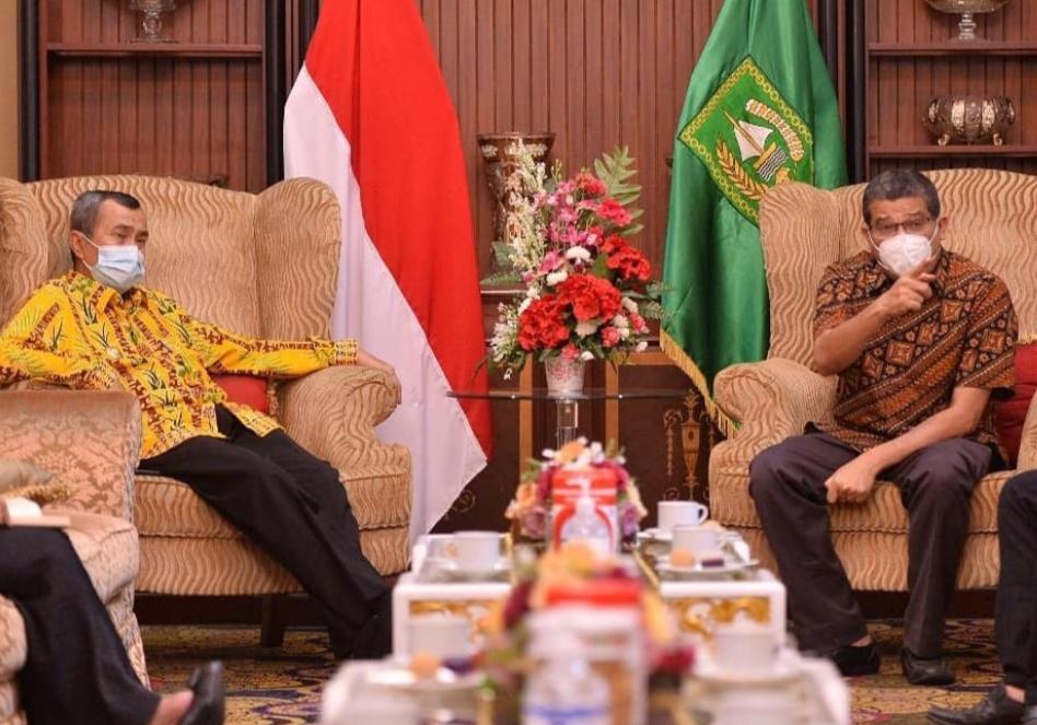 Ketua IDI Riau Siap Jadi Orang Pertama Divaksin