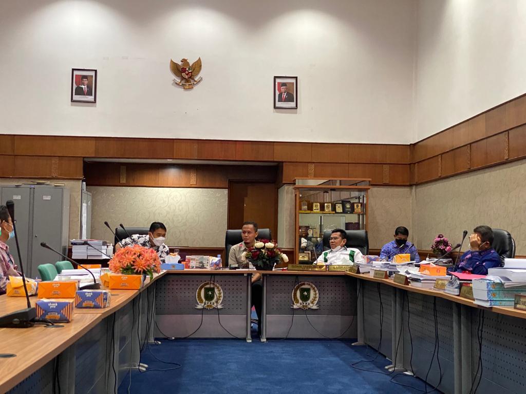 DPRD Riau Rekomendasikan Tunda Penetapan