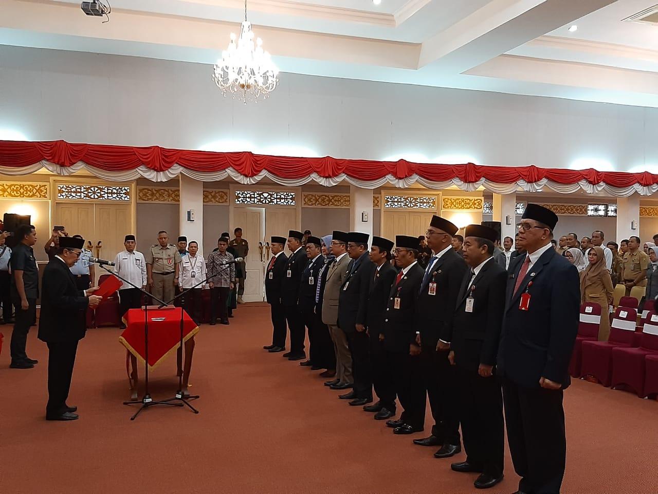 Ini 12 Nama Pejabat Eselon II yang Dimutasi Gubernur Riau