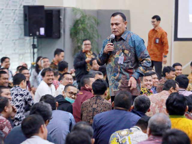 Nikmati Jamuan Khusus, Firli Bahari Dianggap Eks Pimpinan KPK Kurang Etis