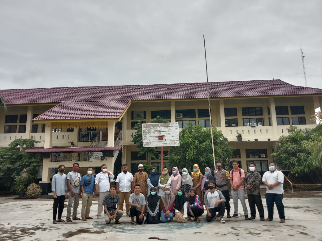 Forum Alumni Kunjungi SMAN 1 Kuantan Mudik