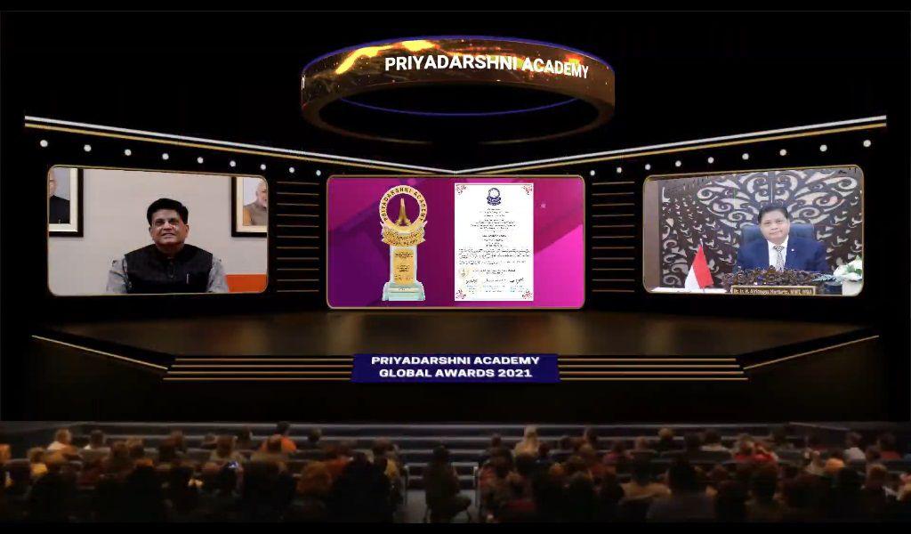 Airlangga Dianugerahi Priyadarshni Academy Global Award atas Kontribusi Ini