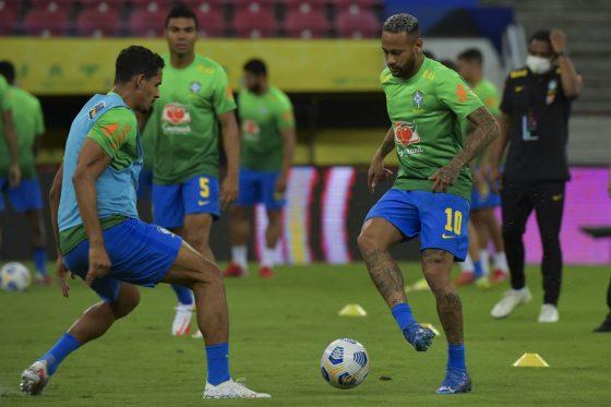 Neymar Berniat Mundur dari Tim Samba, Ini Kata Fans Brazil