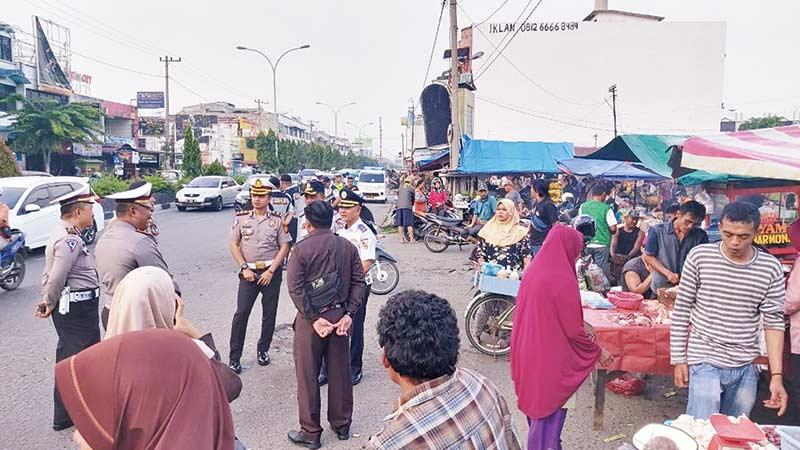 Pedagang dan Parkir di Pasar Cik Puan Ditertibkan