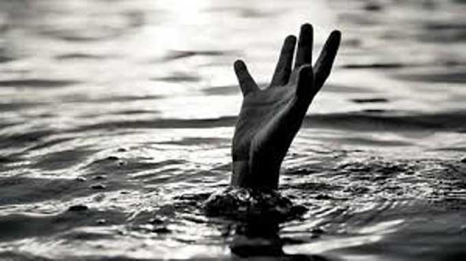 Loncat dari Tangga Pelabuhan, Remaja Tenggelam di Sungai Siak