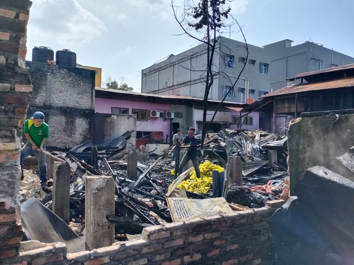 Dapur Rumah Makan Angkringan Asam Pedas Baung Ludes Terbakar