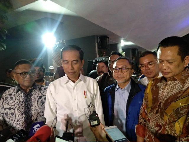 Jangan Ikut Campur Soal Menteri,Jokowi: Hak Prerogatif Presiden