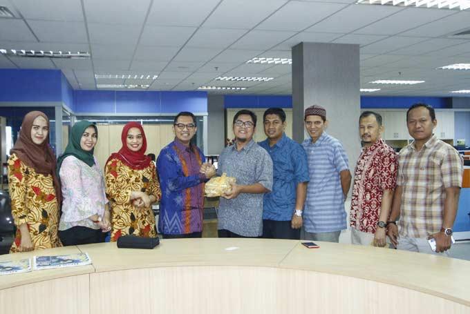 Pesonna Hotel Silaturahmi ke Riau Pos