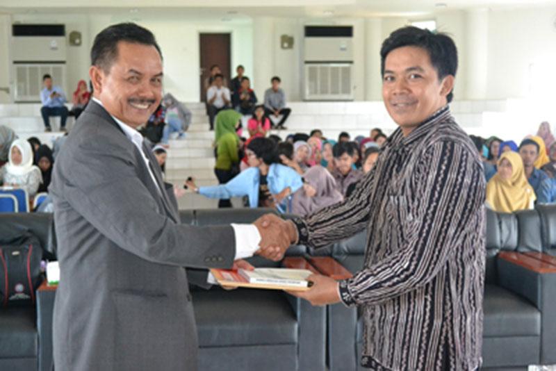 Mantan Wali Kota Padang, Fauzi Bahar Berniat Maju di Kepri 2
