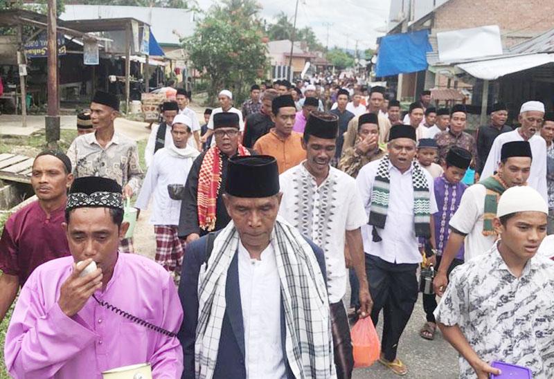 Masyarakat Padang Sawah Tolak Corona dengan Tahlil Keliling Kampung