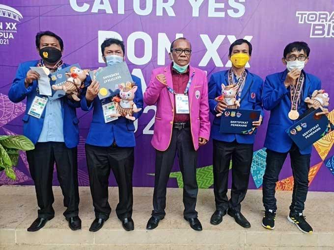 Perunggu dari Beregu Putra Catur Cepat Akhiri Peceklik Medali Tim Riau