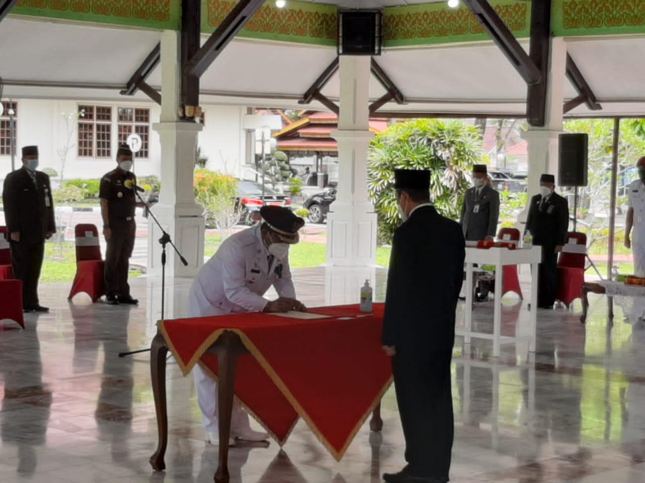 Gubri Resmi Lantik Chairul Riski Menjadi Pj Bupati Inhu