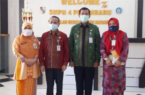 Pantau PPDB, Wako Kunjungi SMPN 4 Pekanbaru