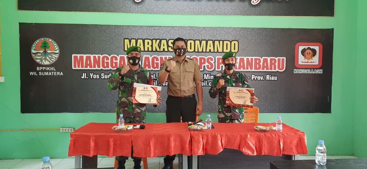 Dedikasi Tangani Karhutla, Dua TNI dapat Penghargaan
